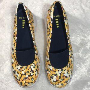 Lands' End Floral shoe